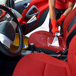 Čištění interiérů aut, autosedaček a čalounění