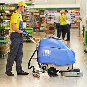 Úklid obchodních center a čištění eskalátorů