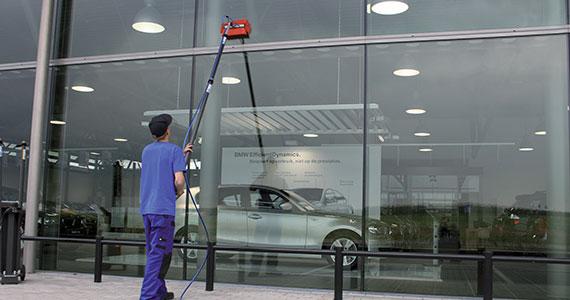 Stroje na čištění oken - AquaQlean