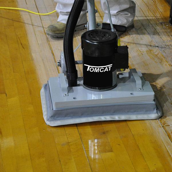 Podlahové čisticí stroje Tomcat