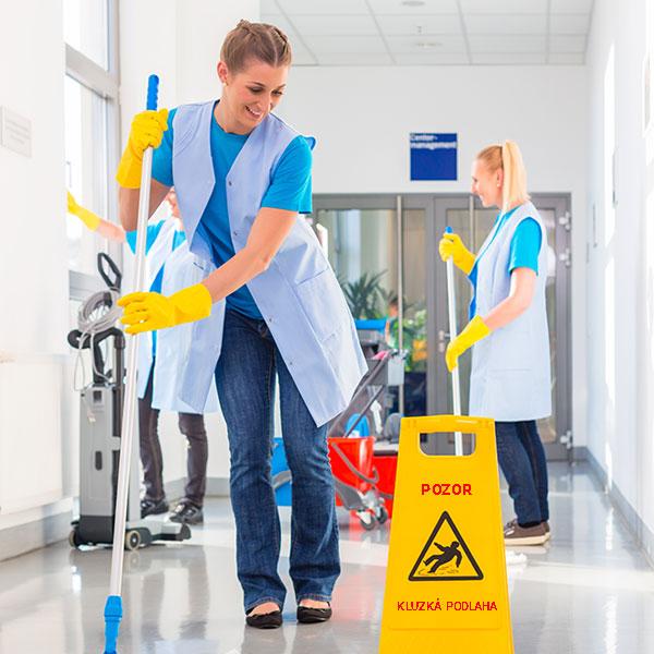 Úklidové služby, úklidové práce s komplexním servisem
