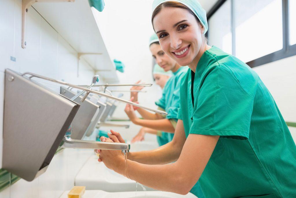 Mytí rukou na 100% infekcím nezabrání