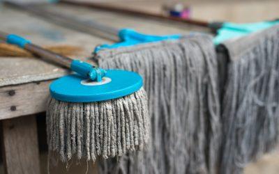 5 důvodů, proč už nikdy na vytírání podlahy nepoužívat mop