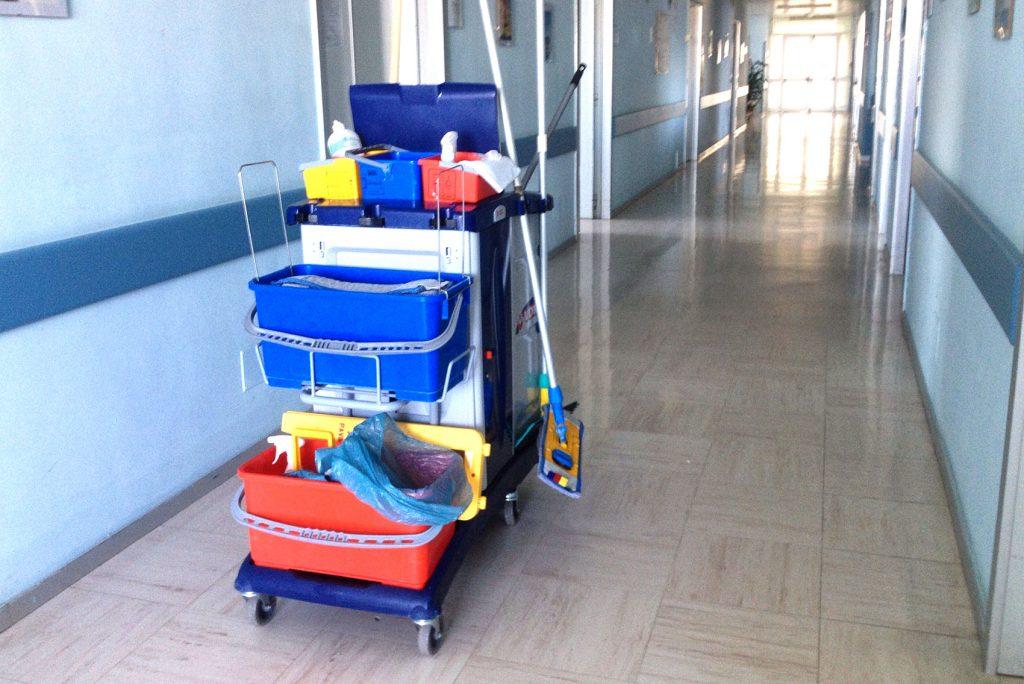 Speciální nemocniční vozík na čištění podlah