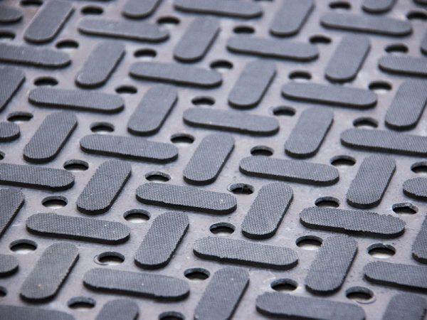 Struktura rohožky K-Mat - gumová rohož do olejového a mastného prostředí (průmyslová)