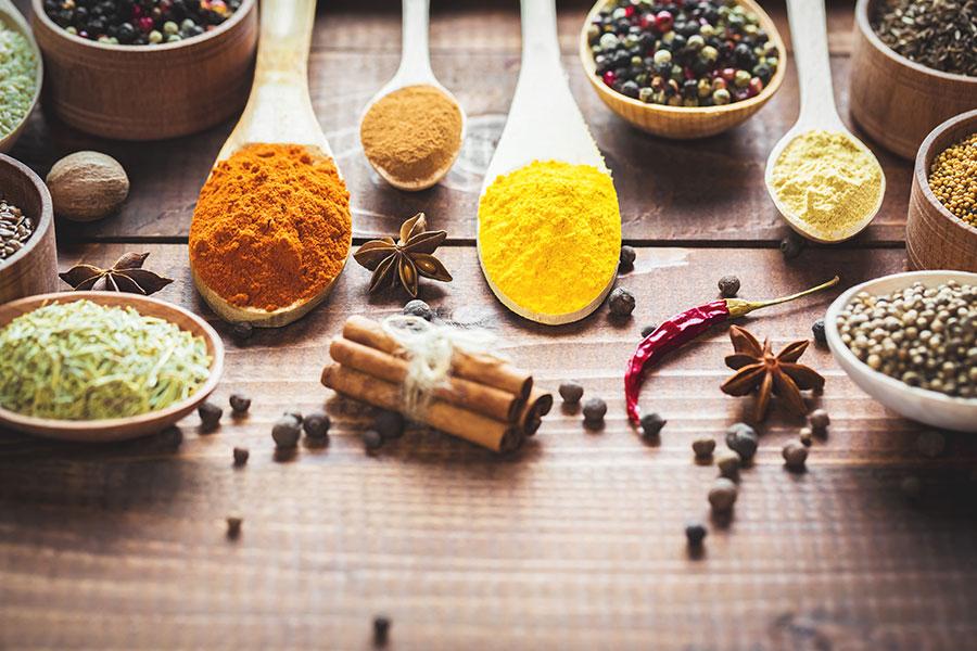Aromatické bylinky a koření mravencům nevoní