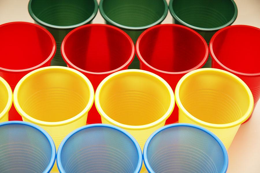 Plastové nádoby jako nepřekonatelný příkop