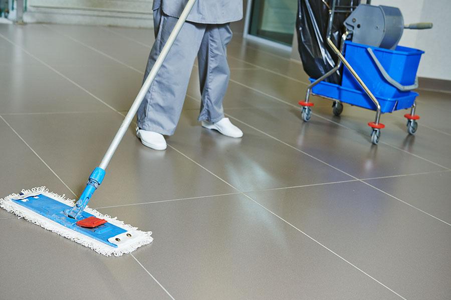 Efektivní program dezinfekce podlahy ve zdravotnickém zařízení